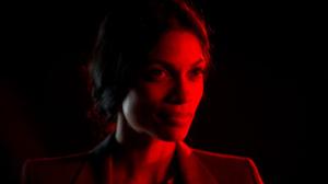 Dr. Elizabeth Lamb (Rosario Dawson)