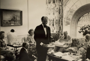 Eugene Allen serves President Gerald Ford and guests at The White House