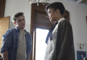 Sam confronts Kurt (Kyle Gallner) about his decision to eat in her residence hall cafeteria