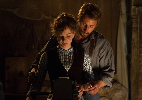 Bathsheba Everdene (Carey Mulligan) and Gabriel Oak (Matthias Schoenaerts)